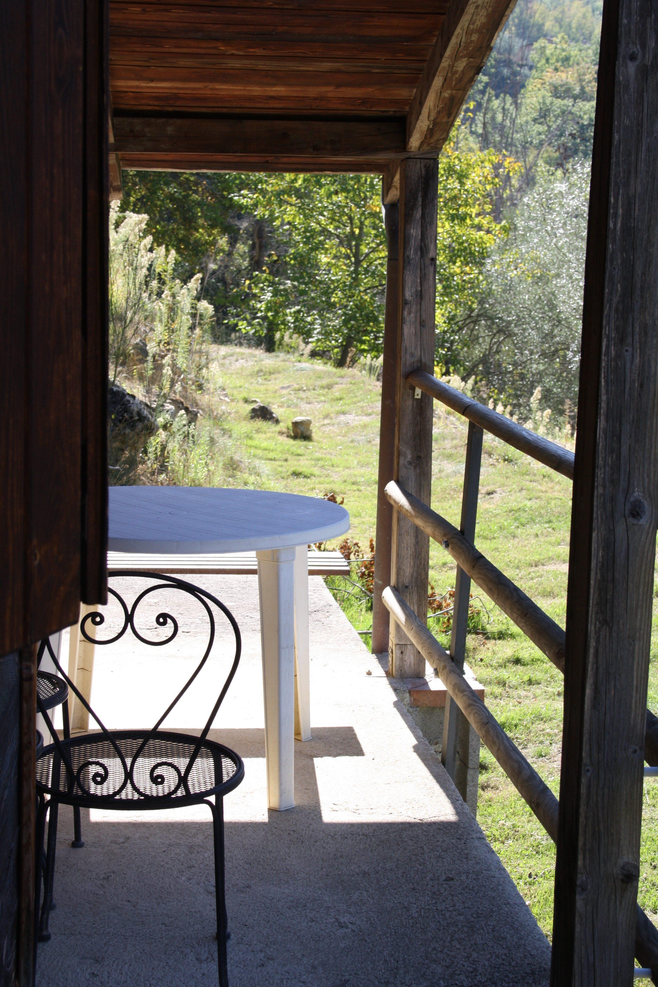 Portico dello Chalet all'Agriturismo Il Colle di Valtopina