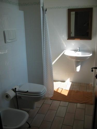 bagno-appartamento-blu