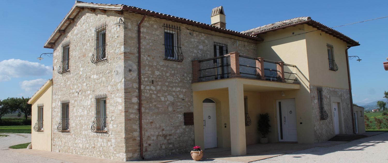 Montefalco Charme – Appartamenti nel cuore della campagna umbra