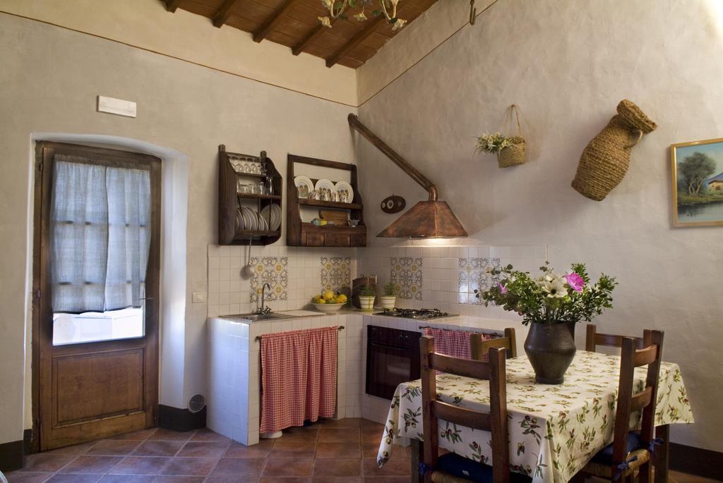 Offerta PASQUA in Agriturismo con Appartamenti con Camino per Famiglie al Lago Trasimeno