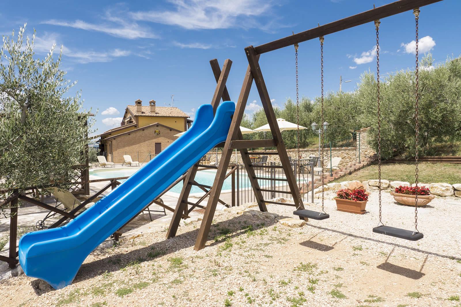 AGOSTO e FERRAGOSTO in Hotel con piscina in aperta campagna in Umbria