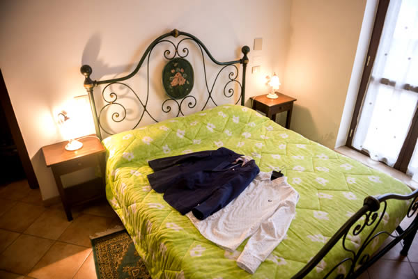 Camera appartamento San Fortunato da Todi