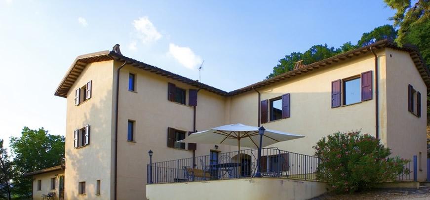 Casale per i 100 giorni agli esami in Umbria a Valtopina