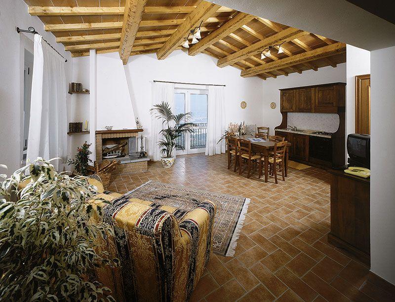 Grande appartamento vacanza con Camino a Torgiano Ginestra