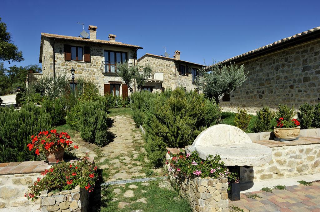 Offerta PASQUA in Umbria in Appartamento Vacanze con Camino vicino Todi e Perugia