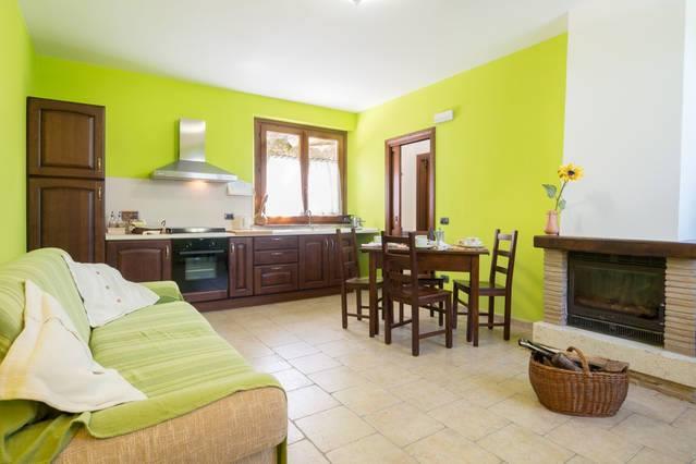 Appartamento con camino a Montecchio vacanze in Umbria