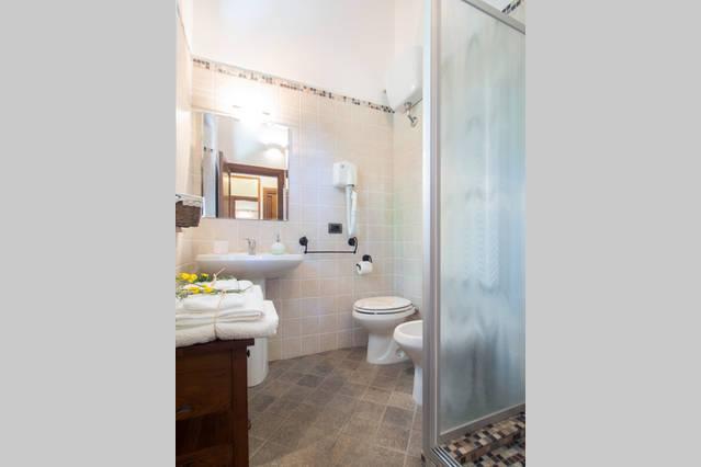 Bagno appartamento Ginestra per vacanze in Umbria