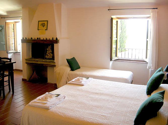 Lastminute SAN VALENTINO in Agriturismo romantico con Camere e Appartamenti con Camino in Alta Valle del Tevere