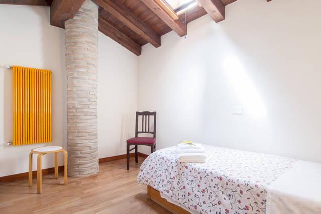 Camera singola appartamento Ortensia a Montecchio