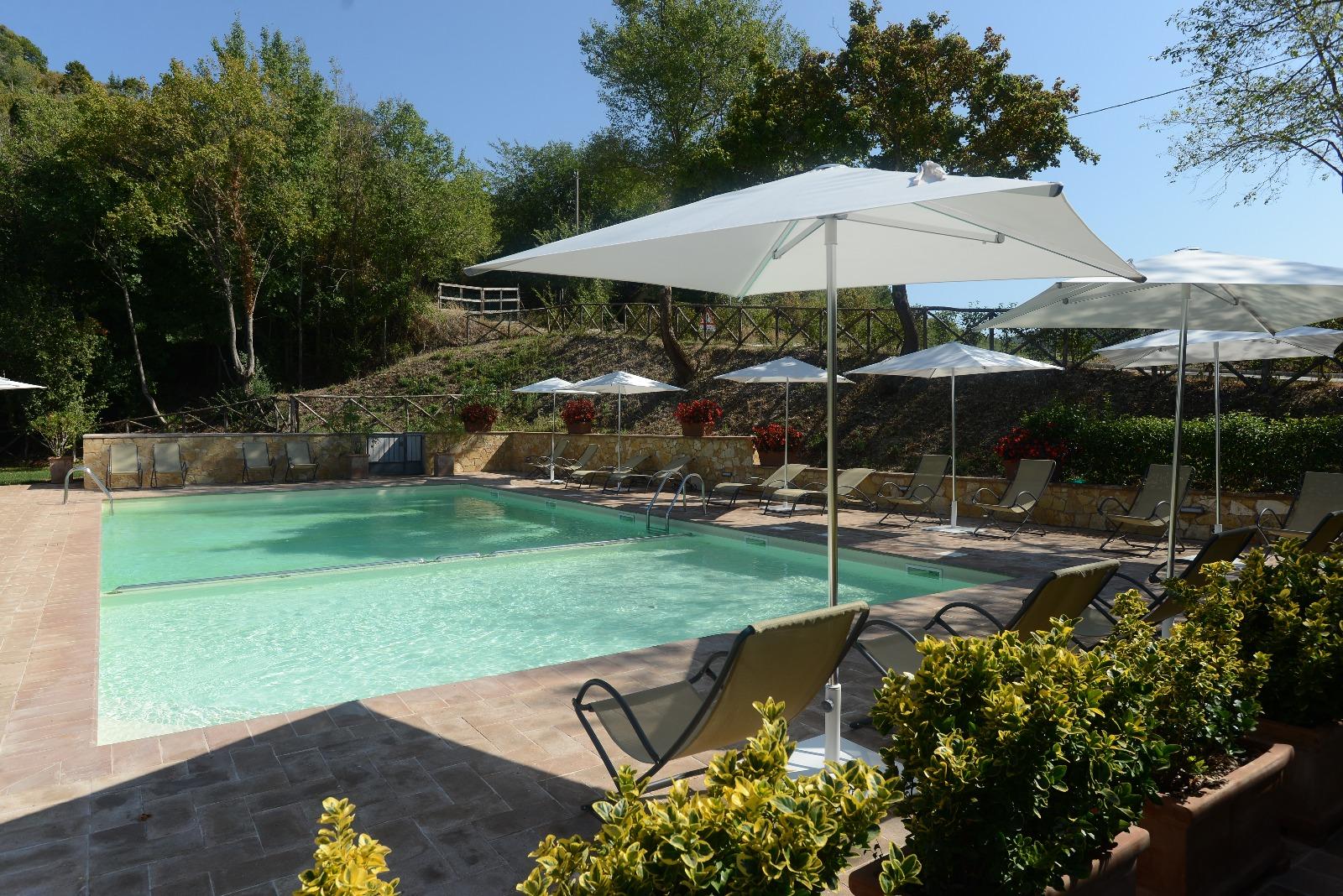 Il Castello Sopra Foligno, Borgo diffuso e Resort in Umbria