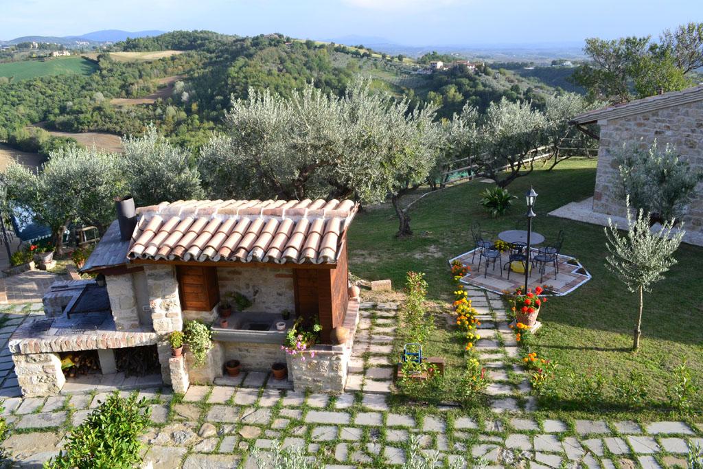 Lastminute 1 MAGGIO in appartamento in Agriturismo con Area Barbecue nella campagna di Perugia