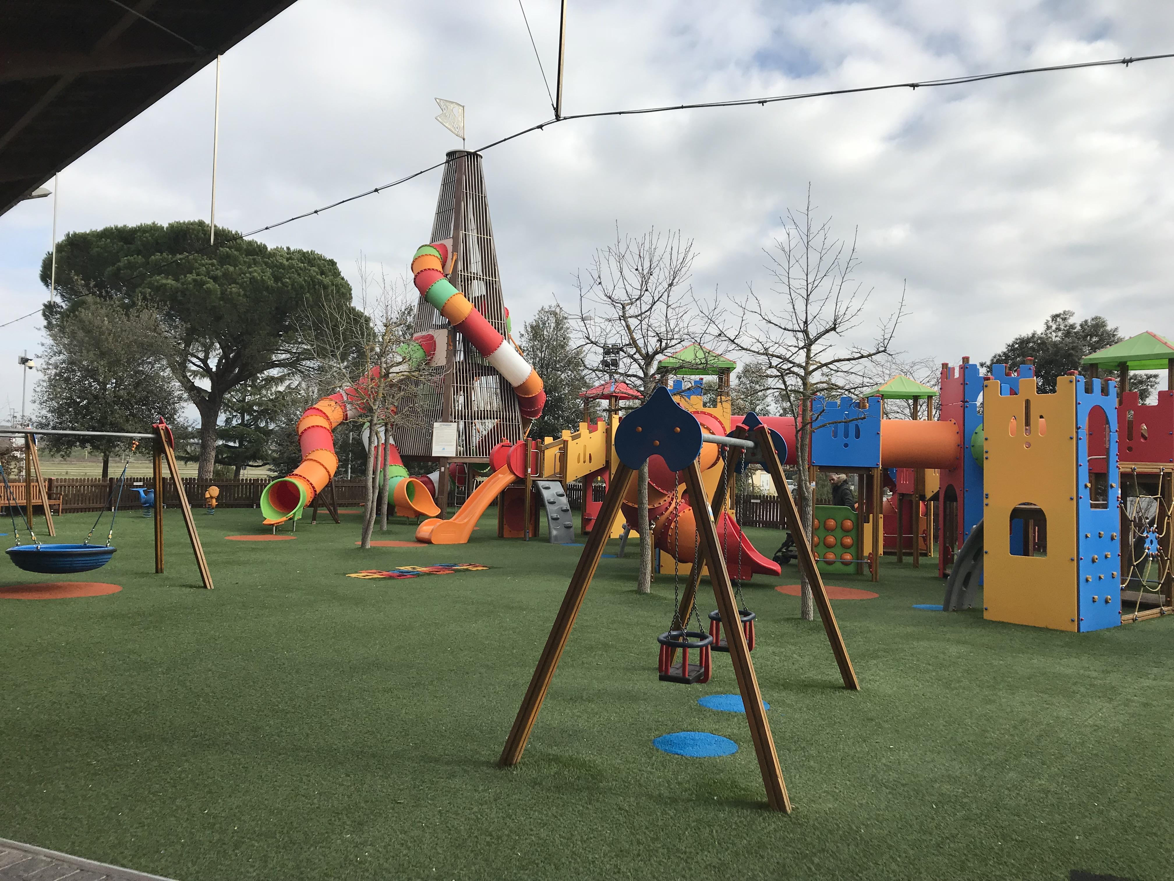 Parco giochi per bambini al Valdichiana Outlet Village ...