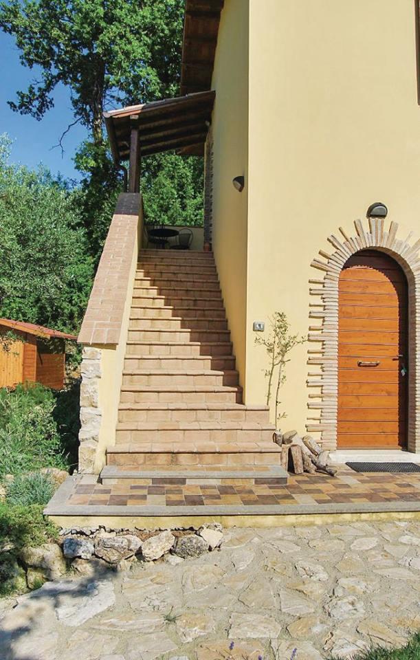 Ingresso indipendente appartamento vacanze Ginestra a Montecchio