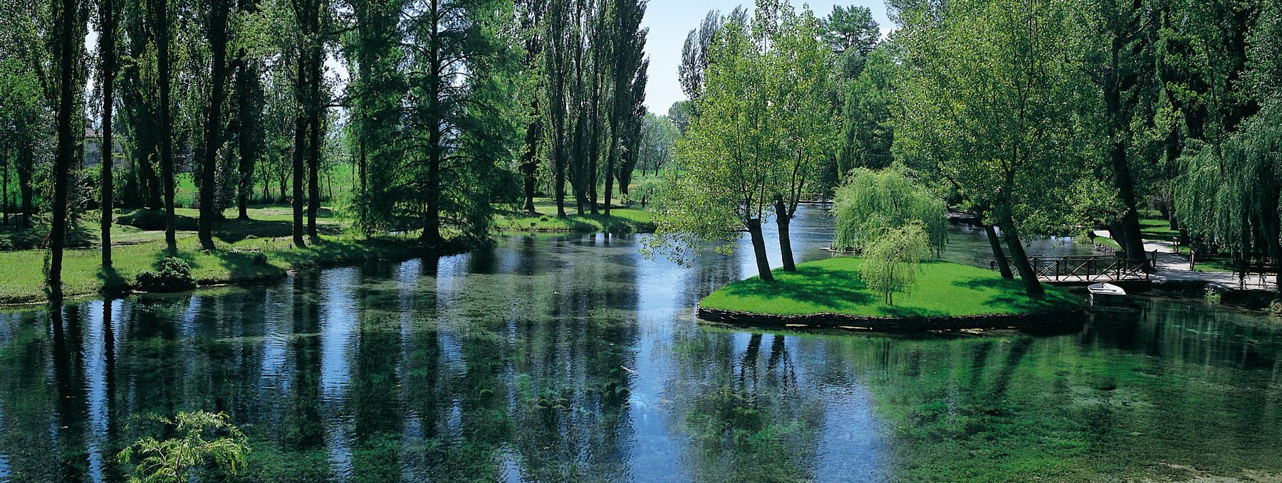 Fonti del Clitunno un'oasi di pace in Umbria tra mito e leggenda