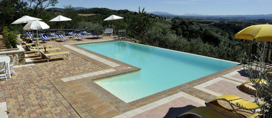 Lastminute GIUGNO con bambini in Agriturismo con piscina a Perugia