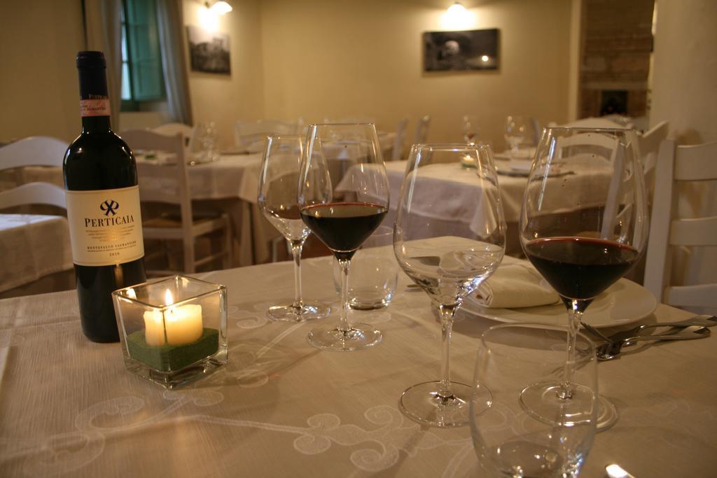 SAN VALENTINO in Castello Romantico con cena a lume di candela per innamorati in Umbria