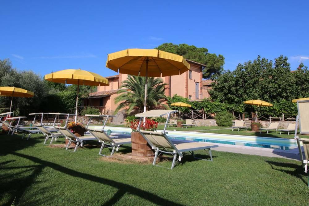 Agriturismo con Piscina e appartamenti vacanza in Umbria