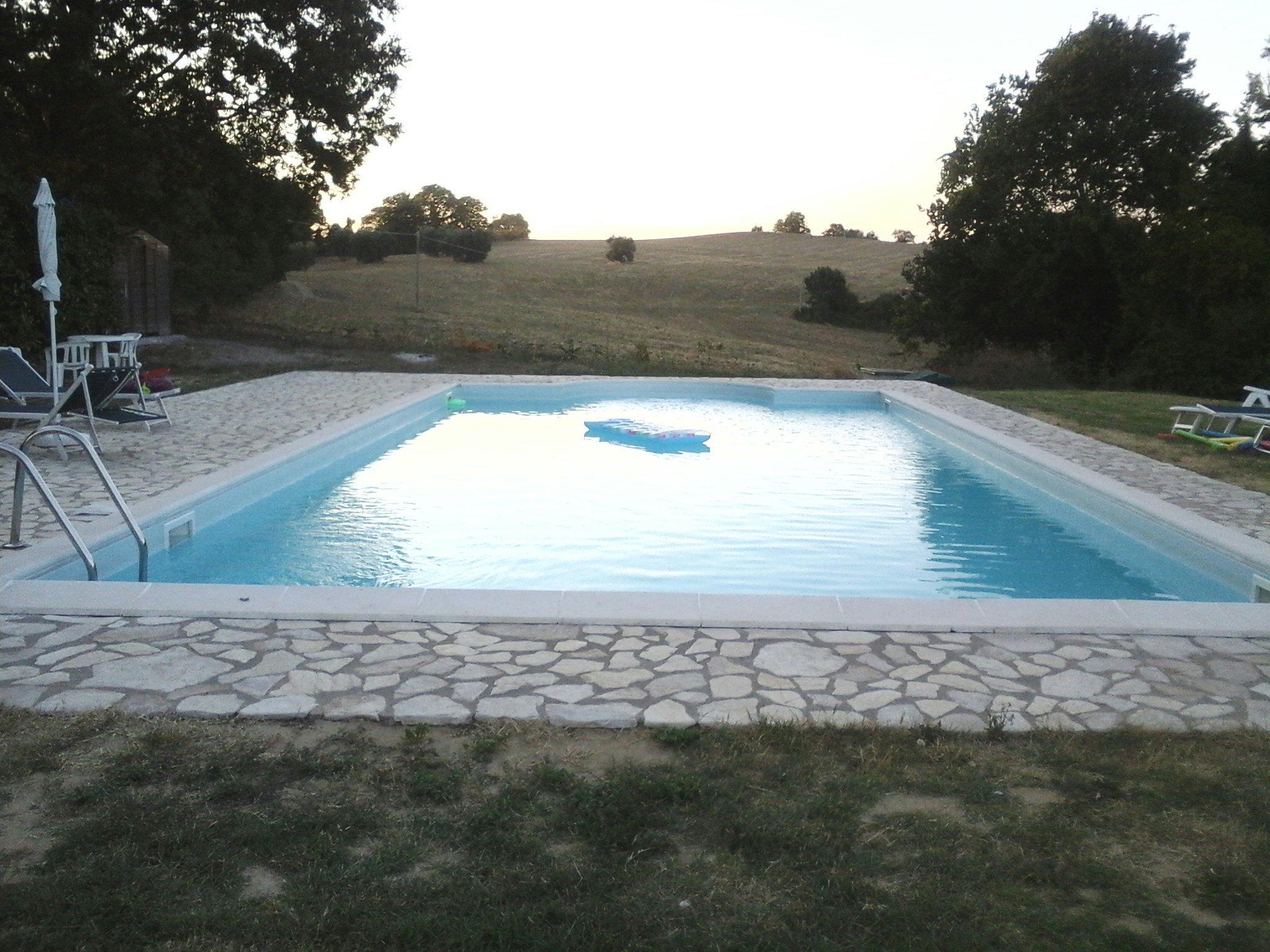 Agriturismo ad Amelia. Appartamenti vacanza con piscina