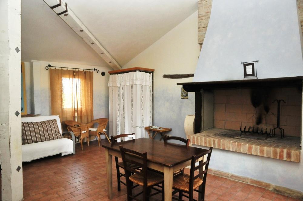 Appartamento vacanza con camino a Castiglione del Lago