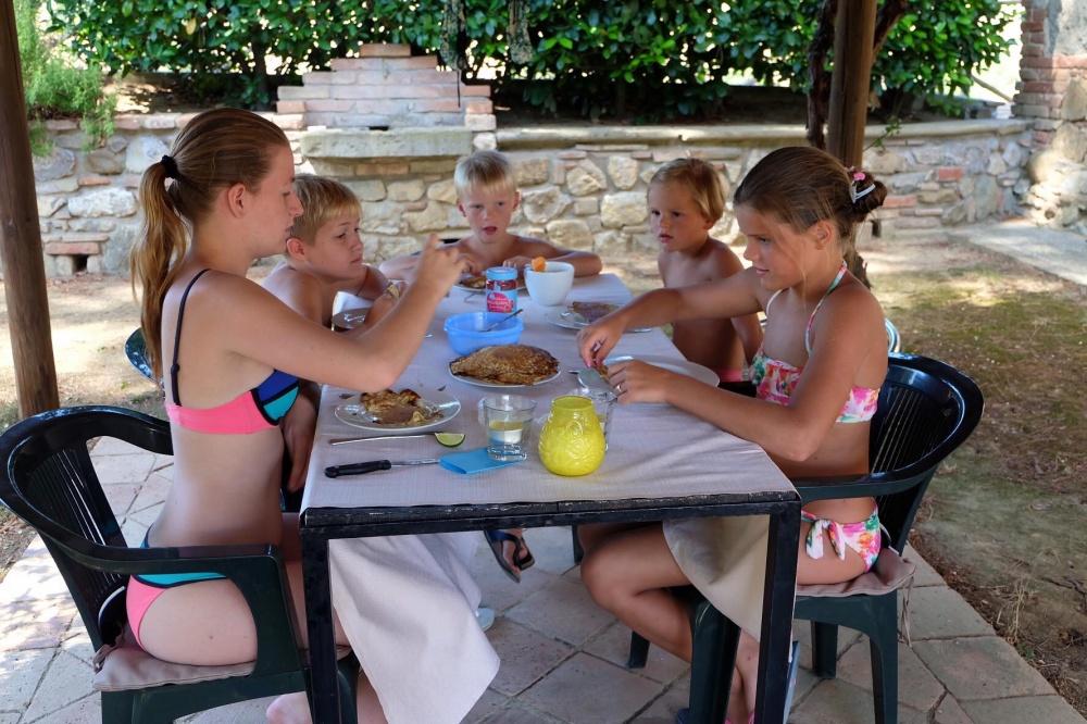 Appartamento vacanza con piscina e kinder area al Trasimeno