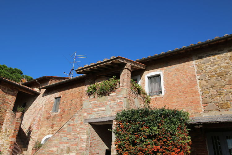 Casale agrituristico con appartamenti per famiglie in Umbria
