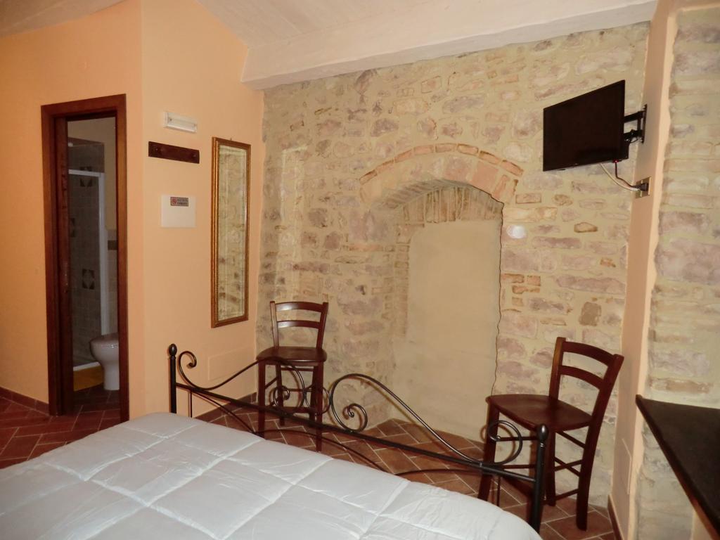 Offerta di PASQUA a Spello in appartamento o camera in centro storico