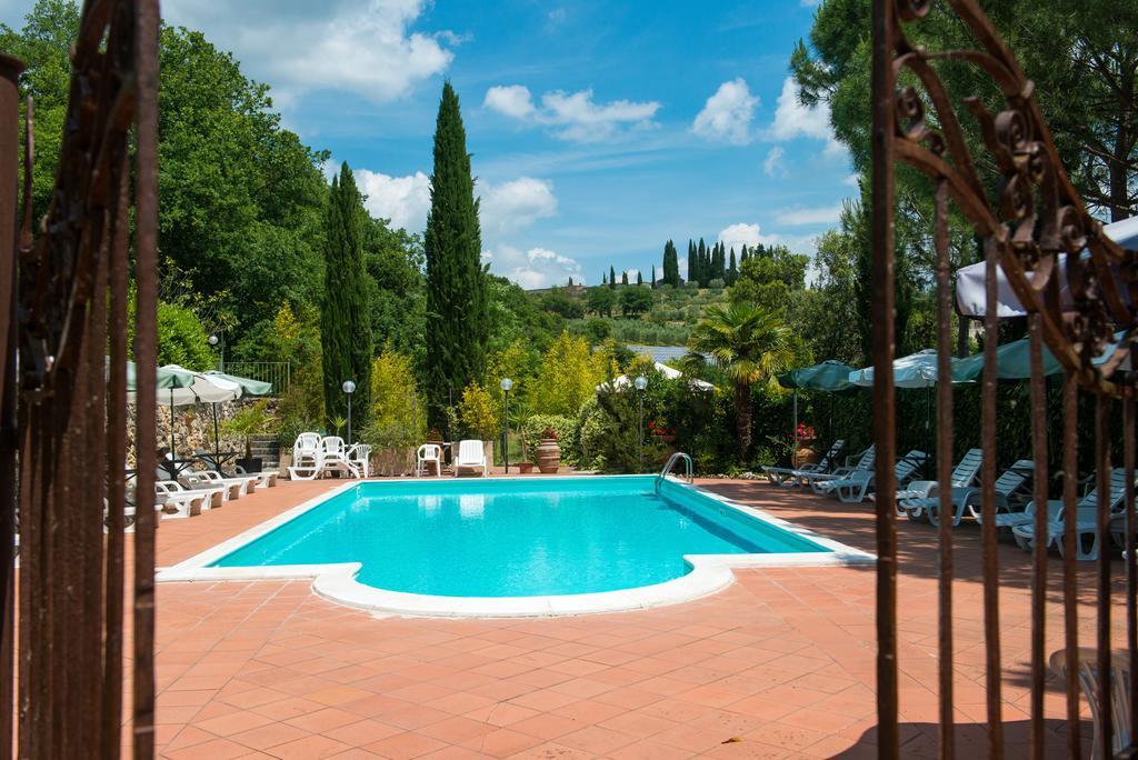 AGOSTO in Hotel con BAMBINI GRATIS e Piscina tra Perugia e il Lago Trasimeno