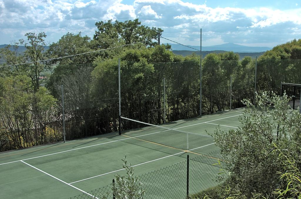 Giocare a tennis in vacanza in Umbria