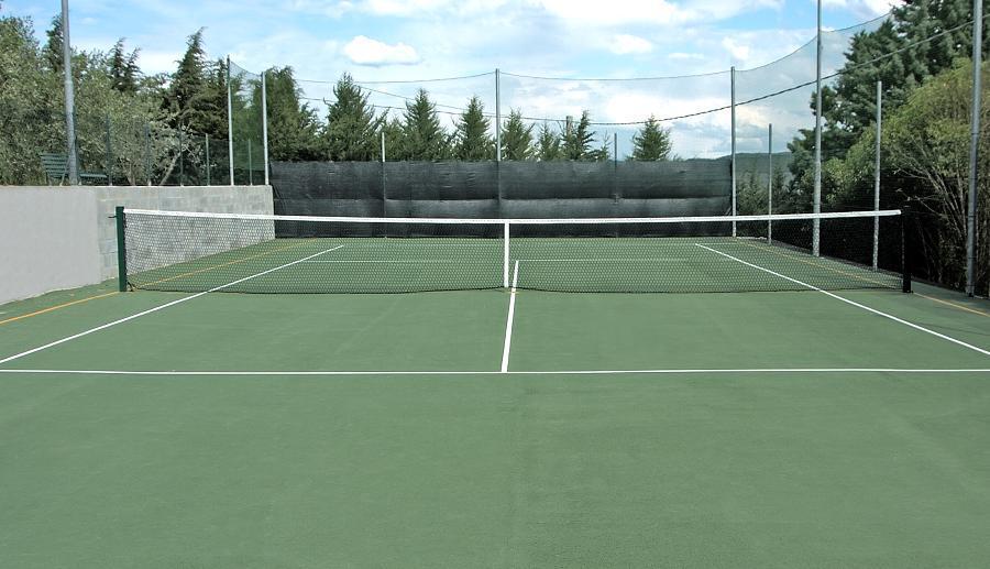 Hotel con campo da Tennis tra Perugia e il Lago Trasimeno