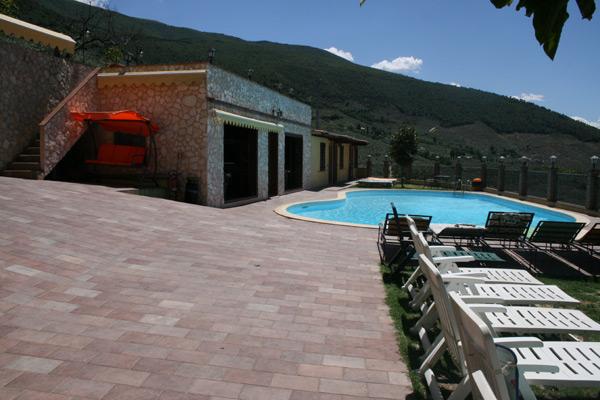 Luglio in Agriturismo con Spa e Piscina a Trevi, Umbria.