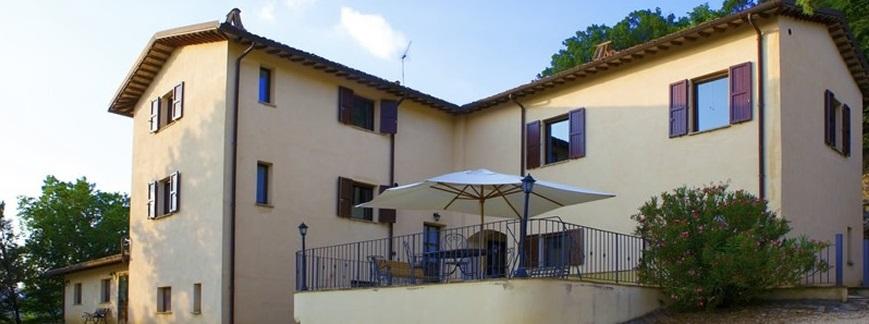 Capodanno in Umbria in Casale con camino per 26 persone