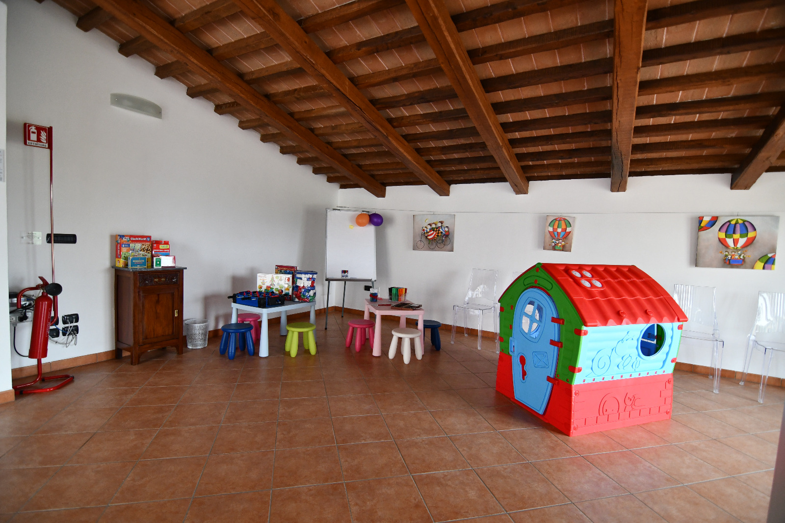 Sala per feste e compleanni in campagna presso l'Agriturismo Montefalco Charme