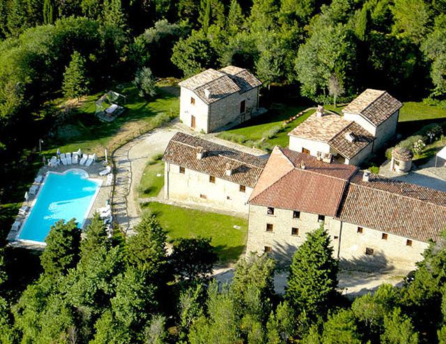 Lastminute Luglio in Umbria in Agriturismo con Ristorante, parco giochi, piscina, ottimo per famiglie
