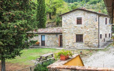 Agriturismo IL BOSCO DELLE FAVOLE: Borgo Diffuso con Ristorante e Piscina a Pietralunga!