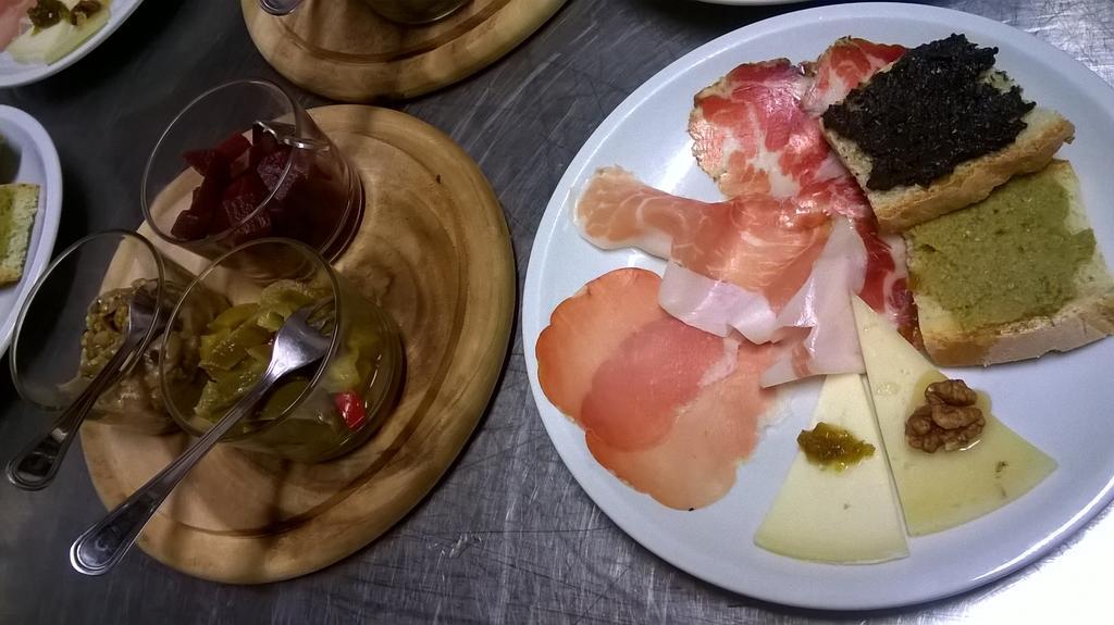 Agriturismo per famiglie con ristorante tipico umbro al Lago Trasimeno