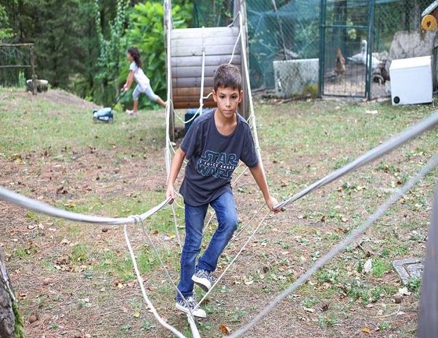 Parco-giochi-e-percorso-avventura-in-Agriturismo-a-Pietralunga-Umbria