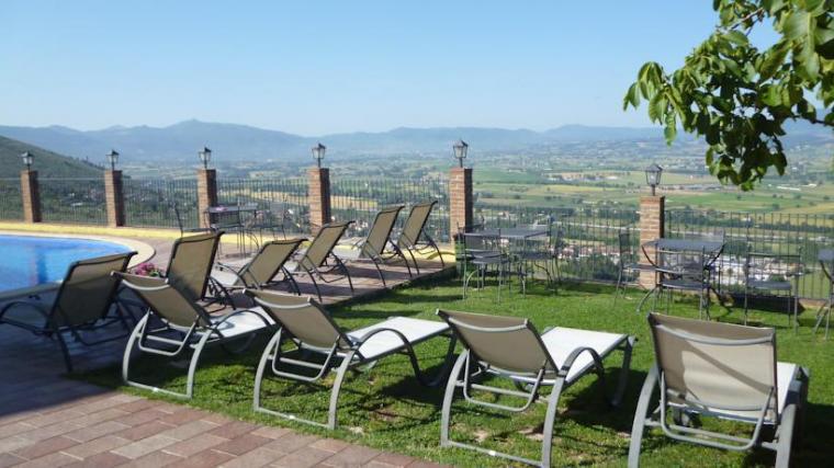 Agriturismo per famiglie con benessere a Trevi, Umbria