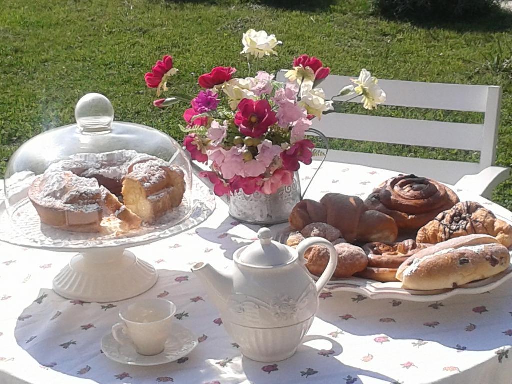 B&B romantico con colazione molto curata e abbondante vicino Gualdo Tadino