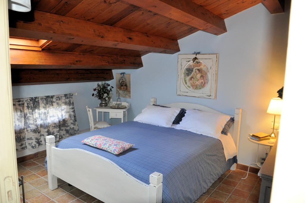 Camere per coppie o famiglie molto spaziose vicino Assisi