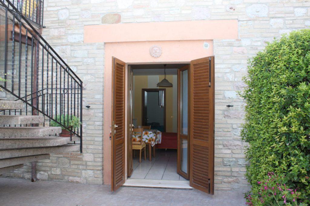 Vacanze-con-bambini-in-appartamento-ad-Assisi