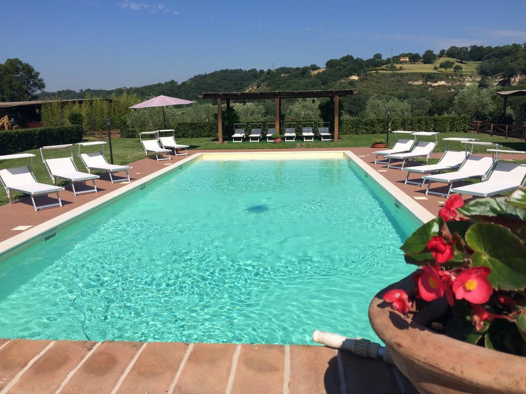 Agriturismo con piscina ideale per vacanze in famiglia