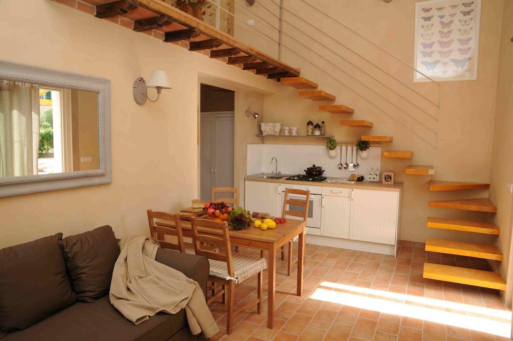 Appartamenti vacanza con piscina, maneggio e fattoria in Umbria