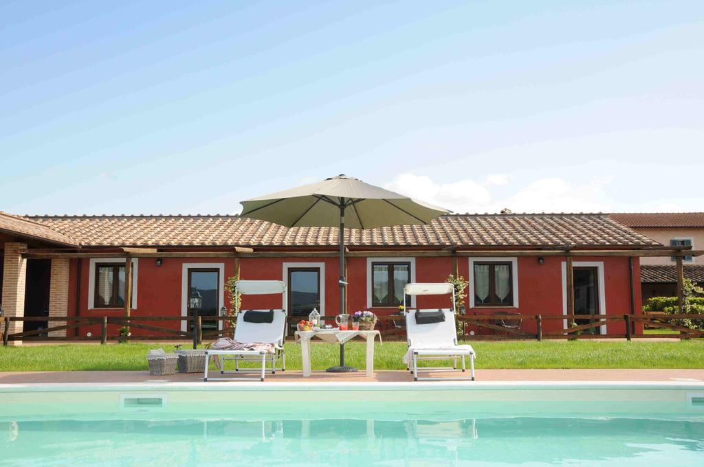 Vacanze di assoluto relax in agriturismo con piscina a Terni