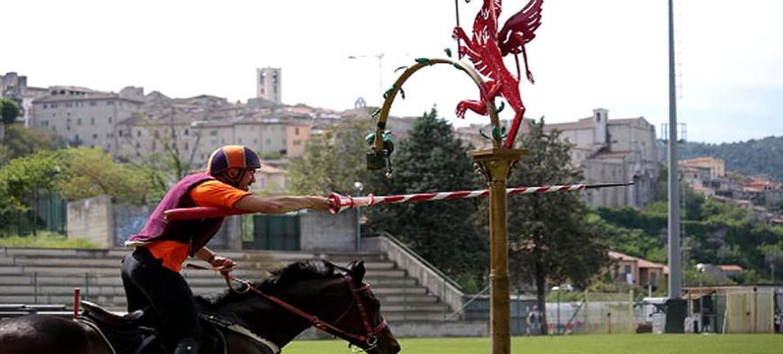 Cosa fare coi bambini durante la Corsa all'Anello di Narni,Terni