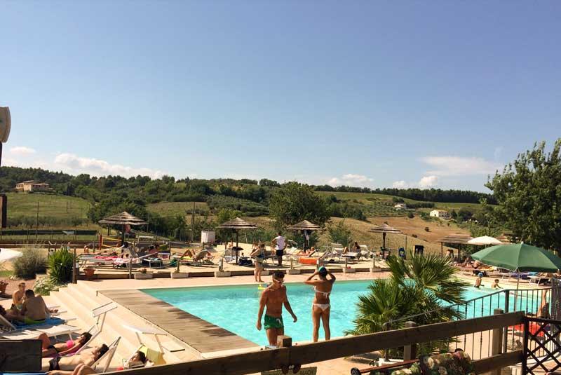 Agriturismo con piscina e fattoria didattica a Spoleto
