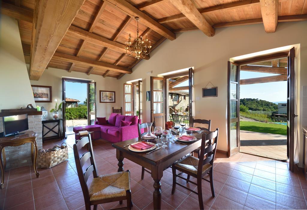 Appartamenti vacanza con camino in castello umbro