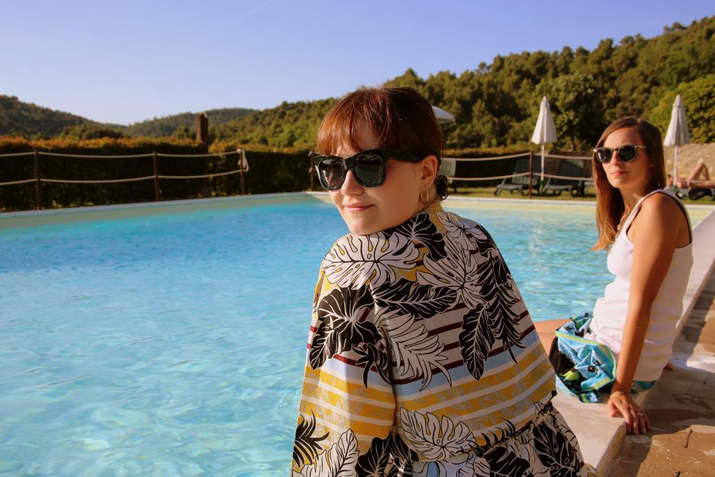 Castello con piscina panoramica per eventi e matrimoni in Umbria