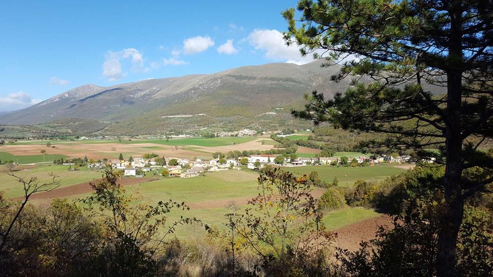 Passeggiata e cantastorie per grandi e bambini a Frascaro di Norcia, Valnerina