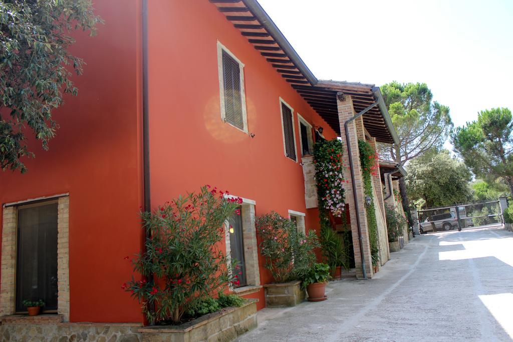 Agriturismo con camere e appartamenti per vacanze con bambini in Umbria