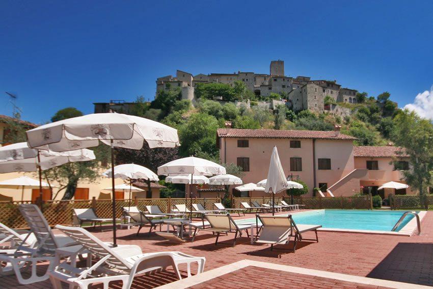Casa vacanza a Terni con piscina e ristorante interni